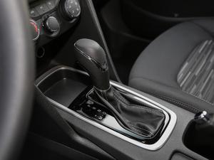 2018款320 自动欣享版 天窗 变速挡杆