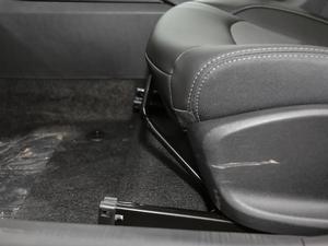 2018款325T 双离合欣悦版 座椅调节
