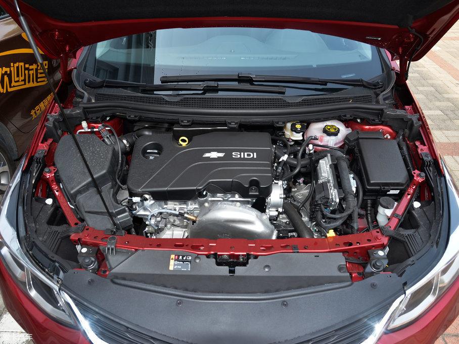 2018款科鲁兹三厢320 自动炫锋都市版
