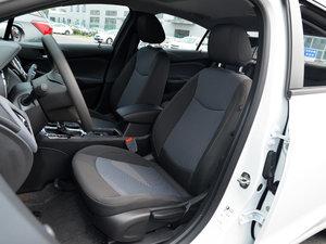 2018款320 自动先锋天窗版 前排座椅