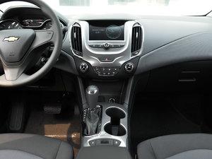 2018款320 自动先锋天窗版 中控台