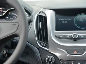 2018款320 自动先锋天窗版 空调出风口