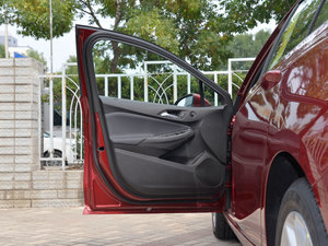 2018款320 自动炫锋都市版 驾驶位车门