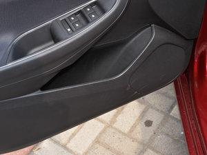 2018款320 自动炫锋都市版 车门储物空间