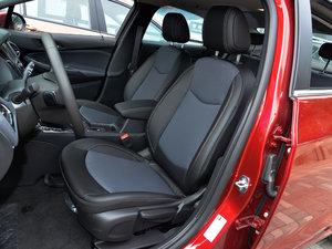 2018款320 自动炫锋都市版 前排座椅