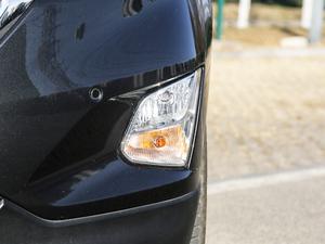 2018款550T 自动四驱捍界版 雾灯