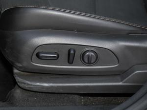 2018款550T 自动四驱捍界版 座椅调节