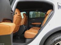 空间座椅凯迪拉克XT4后排空间