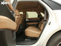 空間座椅凱迪拉克XT5后排空間