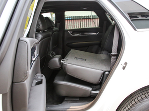 2020款28T 两驱豪华型 后排座椅放倒