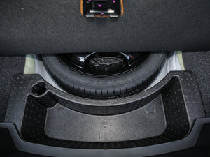 2017款28T 豪华型 备胎