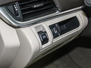 2017款28T 技术型  驻车制动器