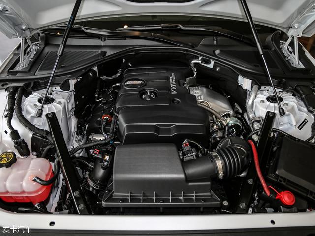 CT6的发动机最大功率达到了203kW(276Ps)/5300rpm,扭矩表现也非常不错,达到了400Nm/3000-4300rpm。