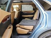 空间座椅凯迪拉克XT5混动后排座椅放倒