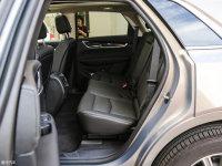 空间座椅凯迪拉克XT5后排空间