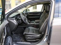 空间座椅凯迪拉克XT5前排空间