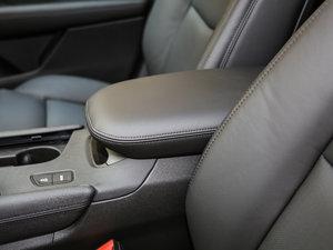2018款25T 两驱豪华型 前排中央扶手