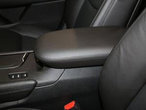 2018款28T 四驱豪华型 前排中央扶手