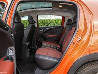 空间座椅雪铁龙C3-XR后排空间