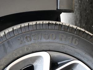 2019款190THP 自动越领版 轮胎尺寸
