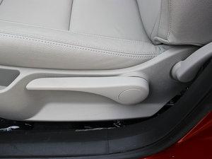 2013款1.6L 自动乐享版 座椅调节