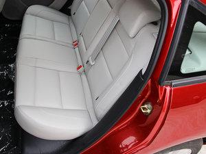2013款1.6L 自动乐享版 后排座椅