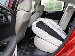 2013款1.6L 自动乐享版 后排座椅放倒