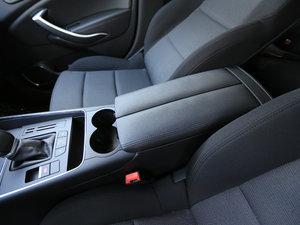 2017款350THP 自动舒适型 前排中央扶手