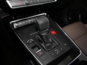 2017款380THP 自动尊贵型 变速挡杆