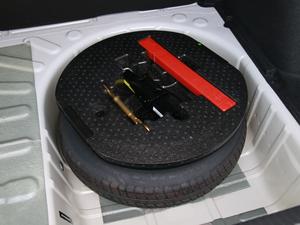 2018款1.6L 自动豪华型 备胎