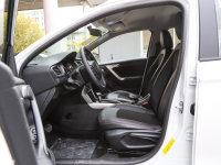 空间座椅雪铁龙C3-XR前排空间