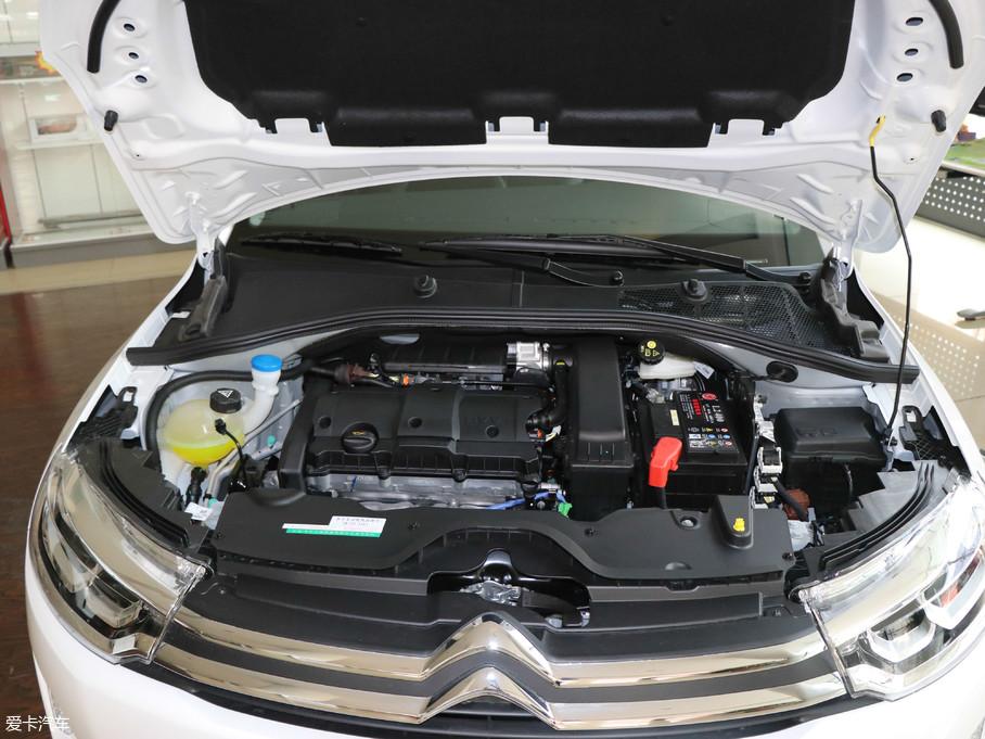 动力方面,C3-XR提供了1.6L自然吸气发动机以及1.2L、1.6L两款涡轮增压发动机供消费者选择,其中1.2L涡轮增压发动机最大功率为100kW(136Ps),峰值扭矩为230Nm。