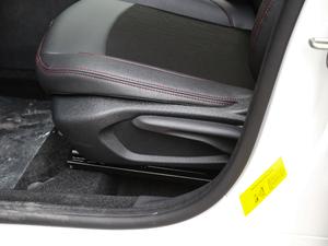 2018款1.6L 自动先锋型 座椅调节