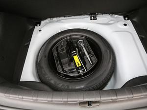 2018款1.6L 自动先锋型 备胎