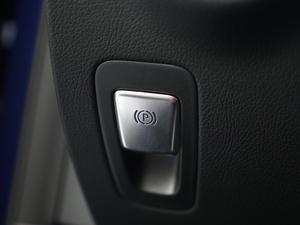2019款C 260 运动版 驻车制动器