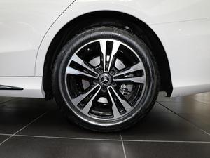 2019款C 260 运动版 轮胎