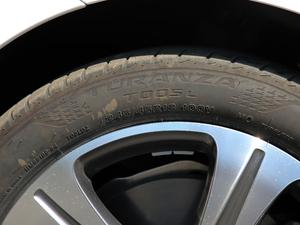 2019款E 260L 运动型 轮胎尺寸