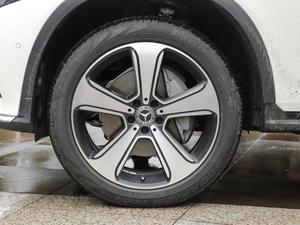 2019款GLC 300 L 4MATIC豪华型 轮胎