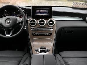 2019款GLC 300 L 4MATIC豪华型 中控台