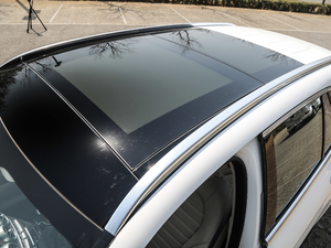 2019款GLC 300 L 4MATIC豪华型 车顶