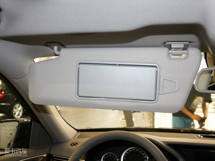2010款奔驰E级图片 空间座椅图片