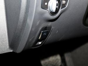 2016款E 200L 驻车制动器