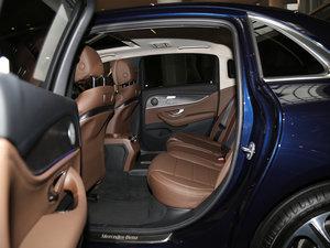 2016款E 300L 时尚型 后排空间