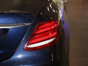 2016款E 300L 时尚型 尾灯