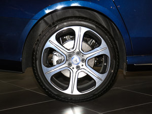 2016款E 300L 时尚型 轮胎