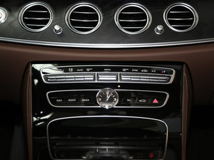 2016款E 300L 时尚型 空调调节
