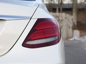 2016款E 200L 运动型 尾灯