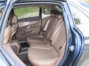 2017款E 200L 4MATIC 后排座椅