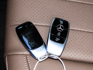 2017款E 200L 4MATIC 钥匙