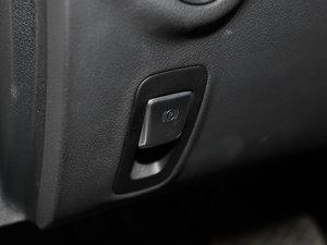 2017款E 300L 豪华型 驻车制动器